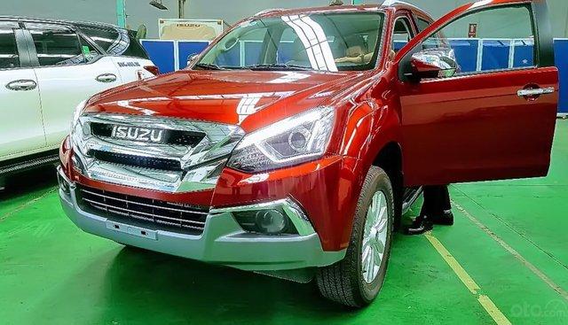 Bán Isuzu mu-X 1.9 4X2 AT đời 2018, màu đỏ, nhập khẩu nguyên chiếc, giá tốt