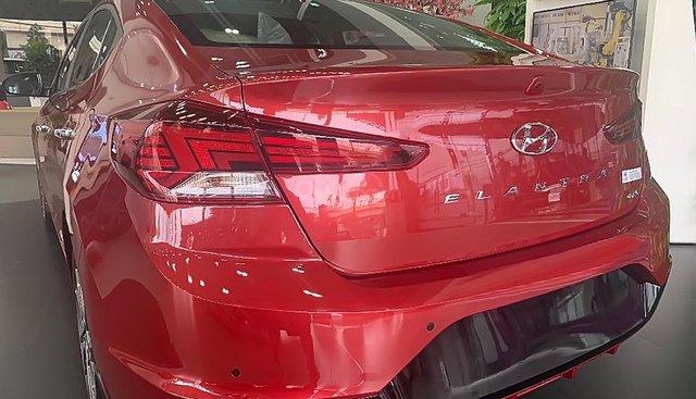 Cần bán xe Hyundai Elantra 2.0 AT đời 2019, màu đỏ, giá chỉ 700 triệu