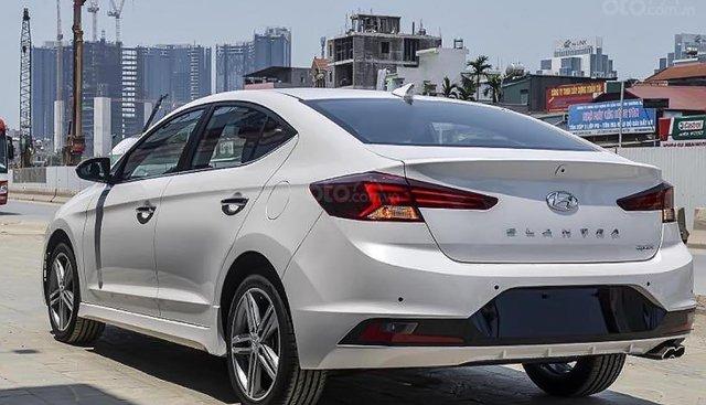 Cần bán xe Hyundai Elantra Sport 1.6 AT đời 2019
