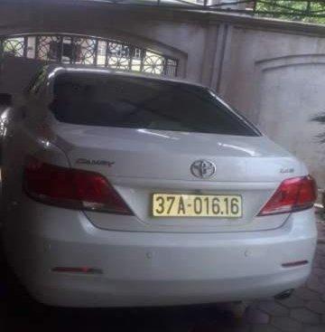 Cần bán Toyota Camry đời 2010, màu trắng, 720 triệu