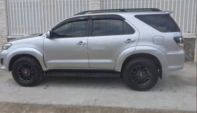 Bán Toyota Fortuner đời 2015, màu bạc, máy êm