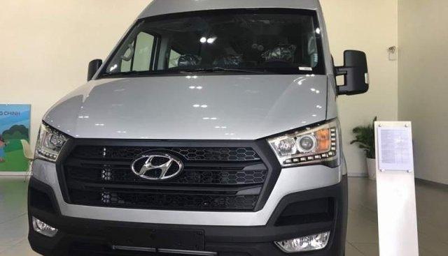 Bán Hyundai Solati năm sản xuất 2019, màu bạc