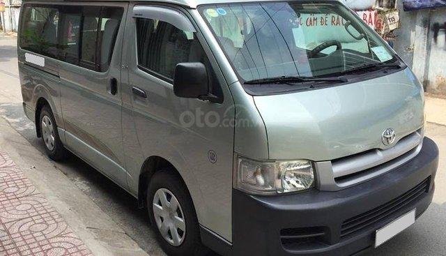 Bán xe Toyota Hiace đời 2009 màu bạc zin đẹp chính chủ