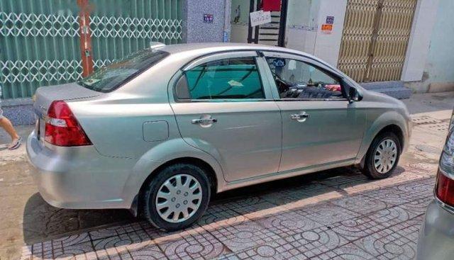 Cần bán xe Chevrolet Aveo đời 2012, màu bạc, nhập khẩu nguyên chiếc xe gia đình