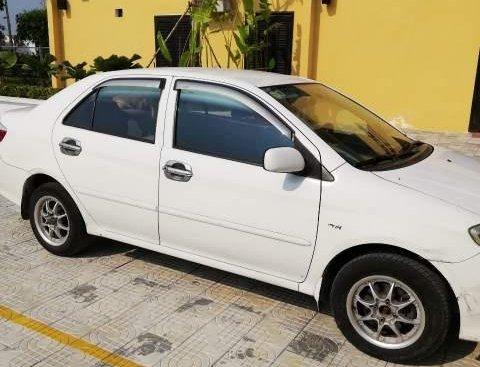 Bán ô tô Toyota Vios đời 2005, màu trắng, xe nhập, giá tốt