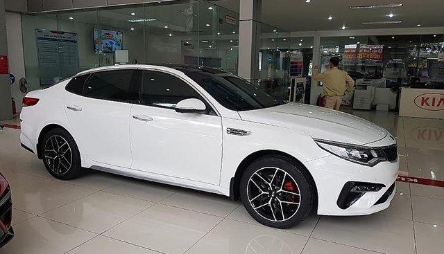 Bán xe Kia Optima 2.4 GT-Line 2019, màu trắng, giá 969tr