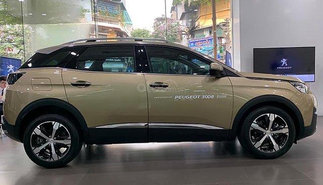 Bán xe Peugeot 3008 1.6 AT đời 2019, màu vàng