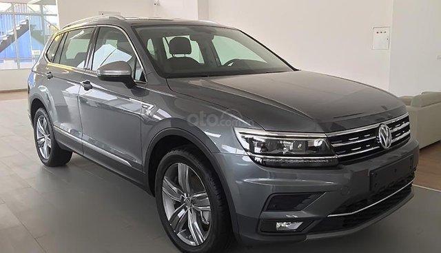 Bán xe Volkswagen Tiguan Allspace đời 2018, màu xám, nhập khẩu