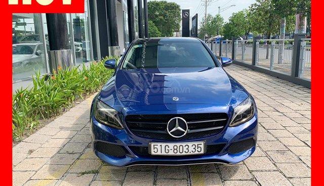 Bán xe Mercedes C200 2018 độ thêm tính năng hiện đại chính hãng, trả trước 450 triệu nhận xe