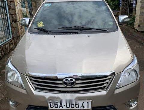 Cần bán gấp Toyota Innova năm 2008, màu vàng, giá 290tr