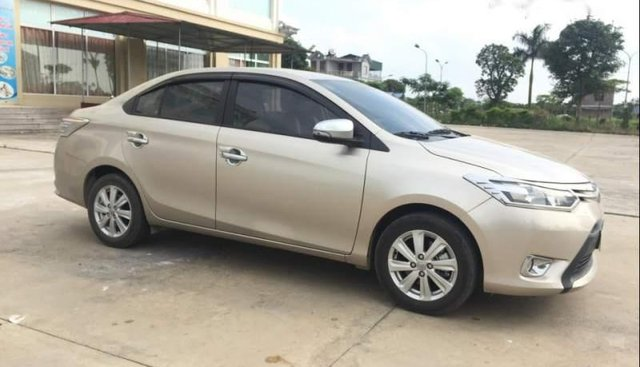 Bán Toyota Vios 1.5E MT đời 2018, màu vàng xe gia đình