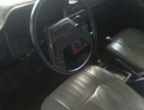 Cần bán xe Toyota Corona sản xuất năm 1984, nhập khẩu nguyên chiếc, giá tốt
