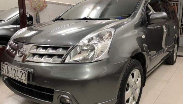 Cần bán lại xe Nissan Grand livina AT đời 2011, màu xám