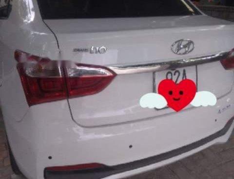 Cần bán gấp Hyundai Grand i10 năm 2018, màu trắng