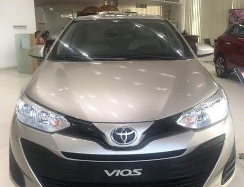Bán Toyota Vios năm sản xuất 2019, màu vàng