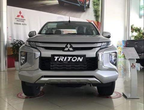 Bán Mitsubishi Triton năm sản xuất 2019, màu bạc, xe nhập