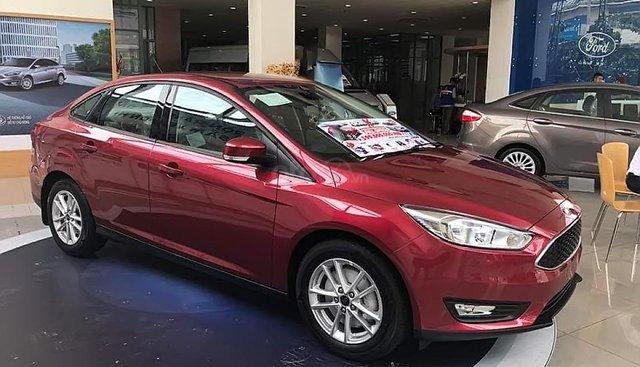 Cần bán xe Ford Focus năm 2019, màu đỏ