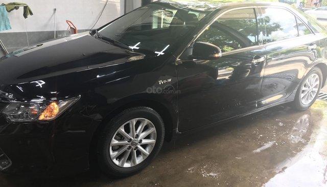 Bán Toyota Camry đời 2016, màu đen giá 850tr
