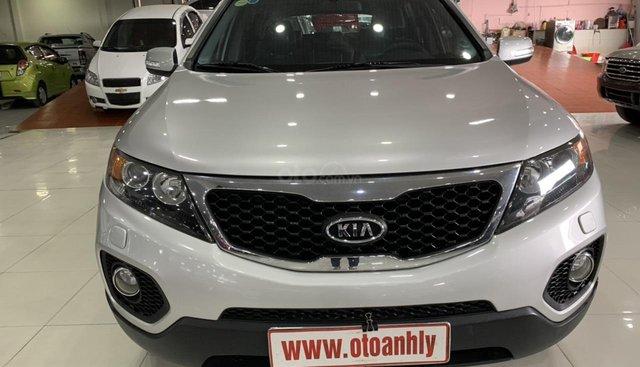 Cần bán xe Kia Sorento năm sản xuất 2010, màu bạc, nhập khẩu, giá tốt