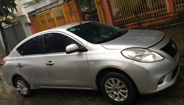 Cần bán Nissan Sunny sản xuất năm 2013, màu bạc, xe nhập xe gia đình