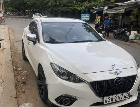 Bán xe Mazda 3 2016, màu trắng số tự động, giá chỉ 570 triệu
