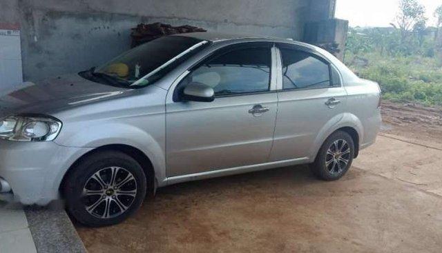 Cần bán lại xe Daewoo Gentra 2010, màu bạc