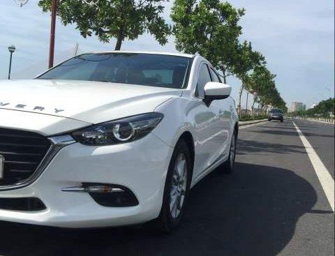 Bán Mazda 3 2017, màu trắng, nhập khẩu, số tự động