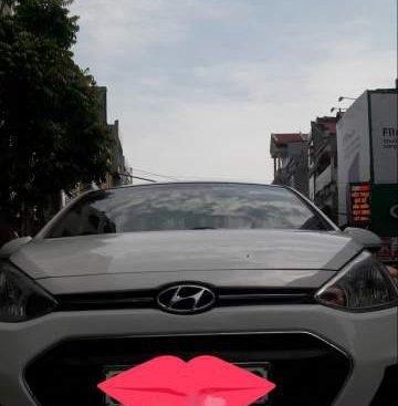 Cần bán xe Hyundai Grand i10 2016, màu trắng, nhập khẩu chính chủ