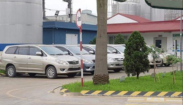 Bán lại xe Toyota Innova đời 2006, màu bạc, giá 255tr