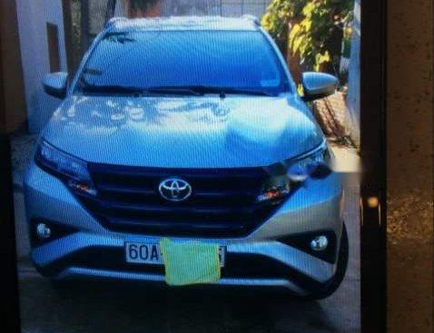 Cần bán gấp Toyota Rush đời 2018, màu bạc, xe nhập