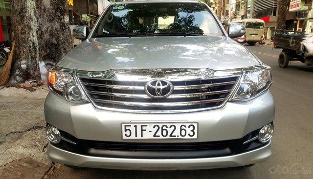 Bán Toyota Fortuner 2.7 máy xăng, đời 2015, mới 98%, ngay chủ đứng tên. LH 0917174050 Thanh