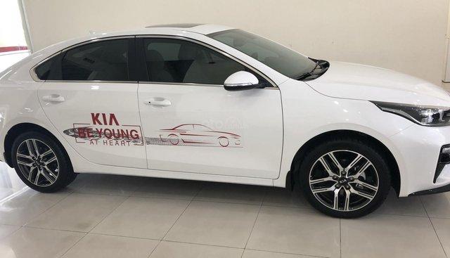 Rinh ngay Kia 2.0 Premium, full option, mà lại còn được tặng quà hấp dẫn
