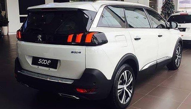 Bán Peugeot 5008 1.6 AT năm 2019, màu trắng