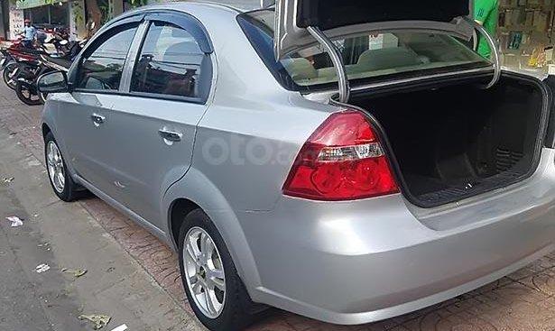 Bán xe Chevrolet Aveo năm sản xuất 2015, màu bạc