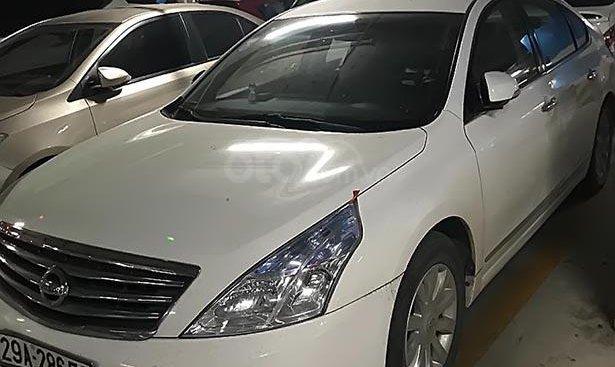 Bán Nissan Teana 2.0AT năm sản xuất 2011, màu trắng, nhập khẩu nguyên chiếc chính chủ