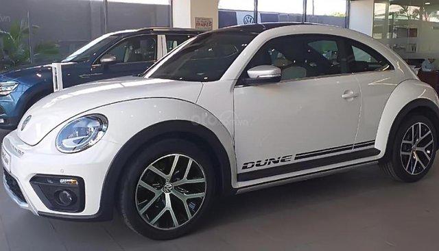 Bán ô tô Volkswagen New Beetle Dune sản xuất năm 2018, màu trắng, xe nhập