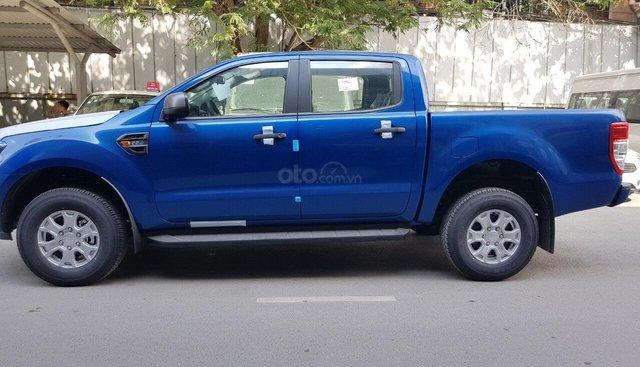 Bán Ford Ranger XLS AT đời 2019, màu xanh, nhập khẩu xe mới 100% chính hãng, bao giá toàn quốc Lh 0965423558