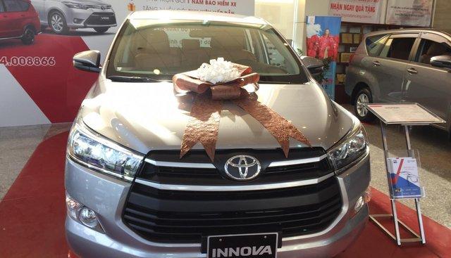 Toyota Tân Cảng hỗ trợ mua xe Innova 2019 trọn gói chỉ với 250 triệu-xe đủ màu giao ngay trong ngày-LH 0901923399