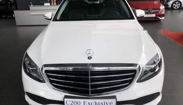 Bán xe Mercedes C200 Exclusive sản xuất năm 2019, màu trắng