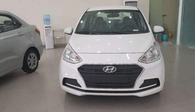 Bán Hyundai Grand i10 2019, màu trắng, bản thiếu