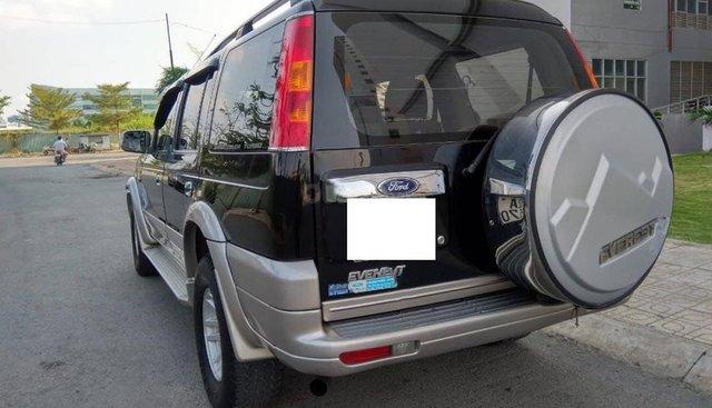 Bán xe Ford Everest năm 2005, màu đen xe gia đình