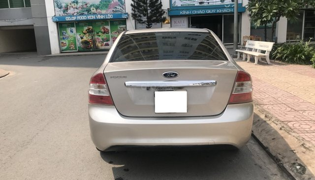 Bán Ford Focus đời 2010, màu bạc, giá cạnh tranh