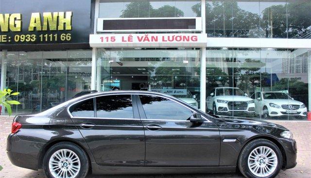 Cần bán xe BMW 5 Series 520i 2015, bản full option siêu đẹp