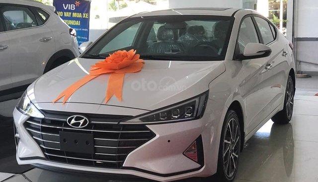 Hyundai Elantra 2019 cực ngầu sẵn xe giao ngay, chỉ cần 190tr nhận xe, LH 0907321001
