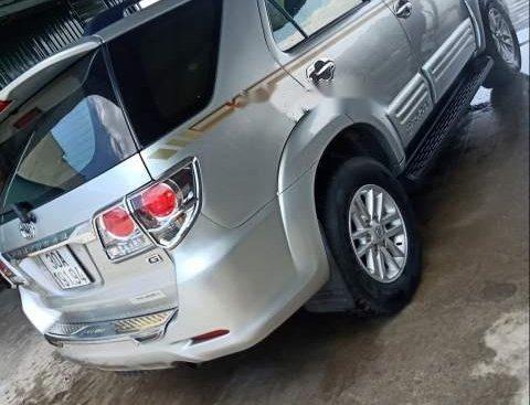 Cần bán Toyota Fortuner 2014, màu bạc, xe rất đẹp