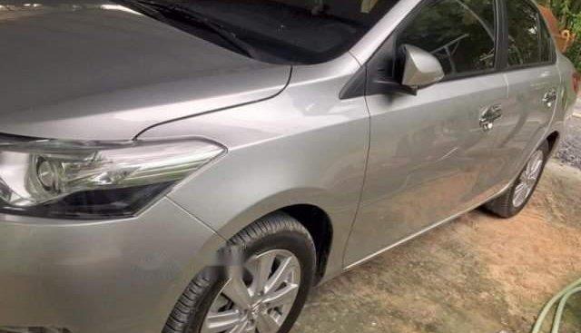 Cần bán xe Toyota Vios đời 2016, màu xám, bảo dưỡng hãng