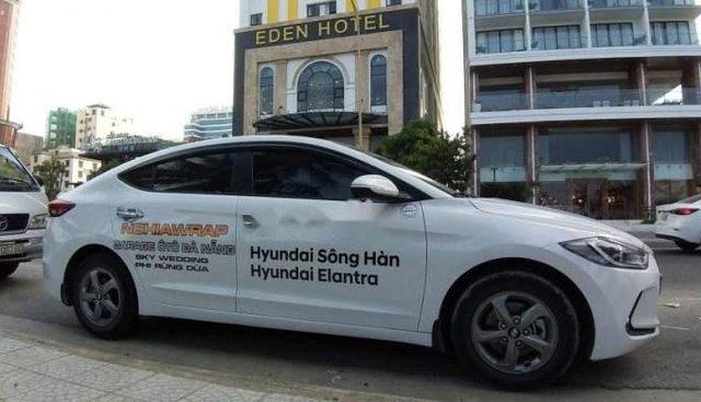 Bán Hyundai Elantra đời 2018, màu trắng, nhập khẩu