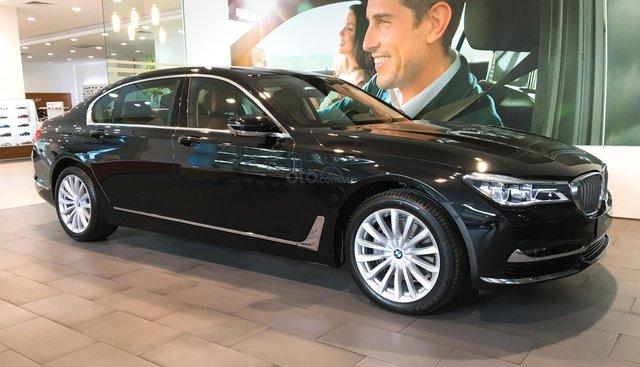 Cần bán xe BMW 7 Series 740Li đời 2018, màu đen, xe nhập