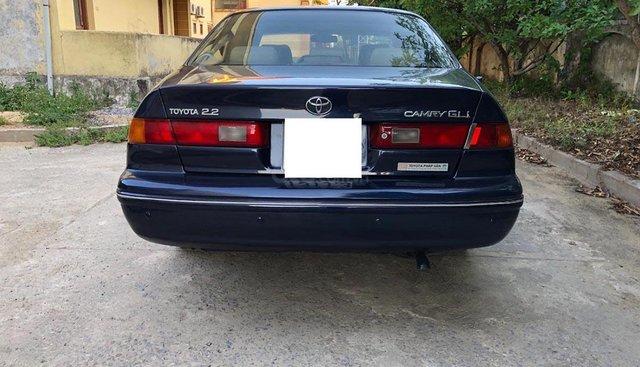 Bán Toyota Camry GLi 2.2 sản xuất 1998, màu xanh lam, xe nhập