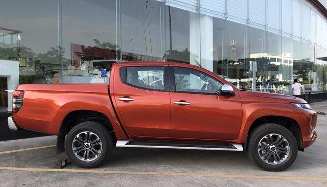 Cần bán Mitsubishi Triton sản xuất 2019, màu đỏ, nhập khẩu